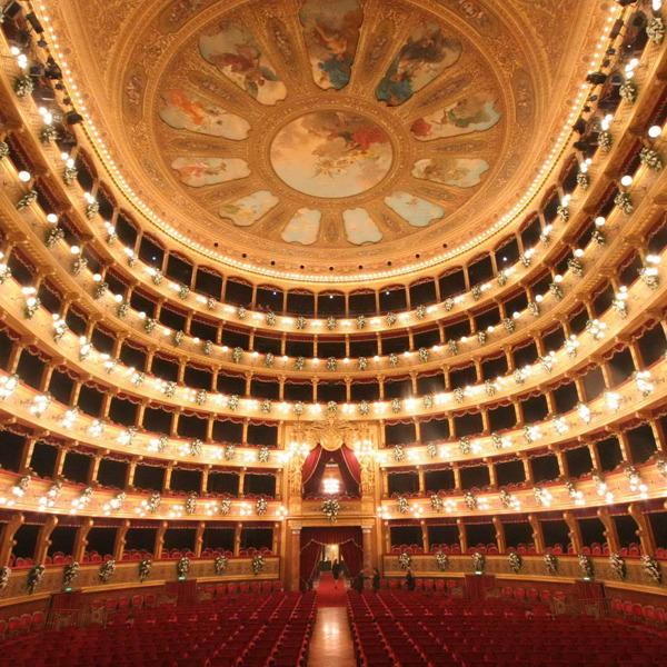 Un convegno e un recital per i teatri chiusi, inagibili o in difficoltà