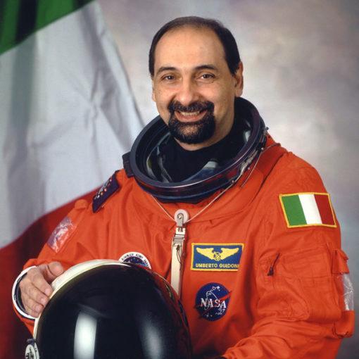Nello spazio non c'è spazio. Incontro con Andrea Valente e Umberto Guidoni