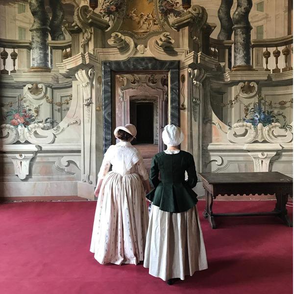 Visita con guida in abito d'epoca a Villa Arconati