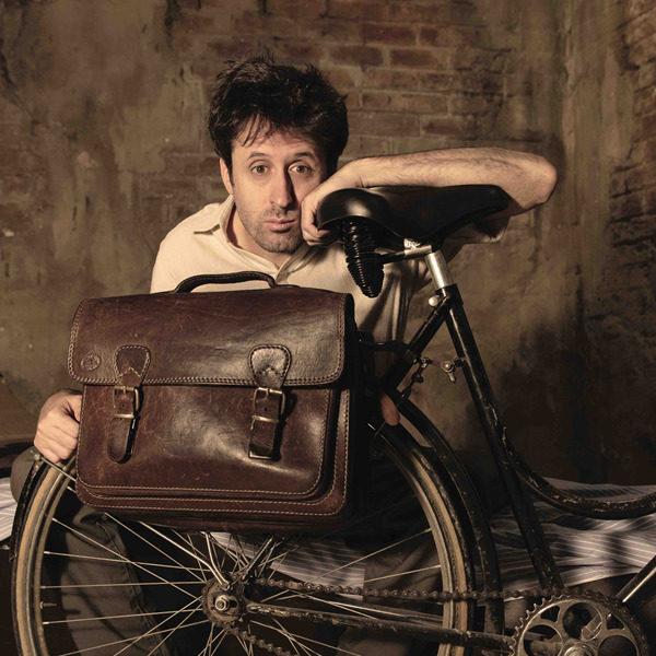 """Teatro: """"Gino il postino"""" con Francesco Brandi"""