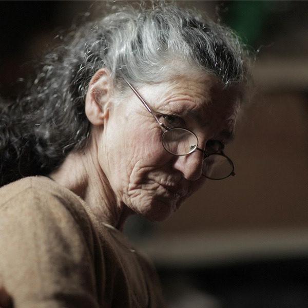 """""""La scomparsa di mia madre"""" il film di Beniamino Barrese dedicato a Benedetta Barzini"""
