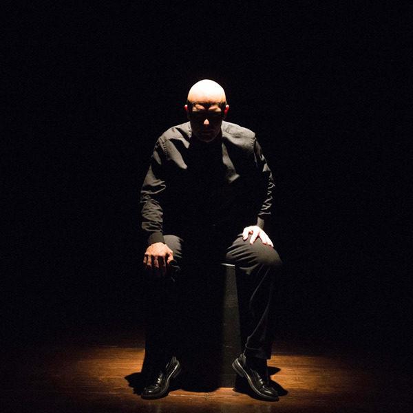 """Teatro: """"Perlasca. Il coraggio di dire no"""" di e con Alessandro Albertin"""