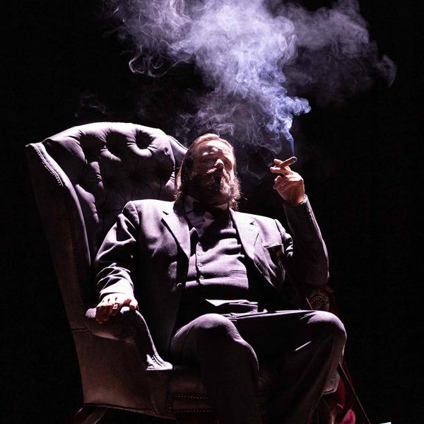 """Teatro: """"Winston vs. Churchill"""" daChurchill, il vizio della democraziadi Carlo G. Gabardini"""