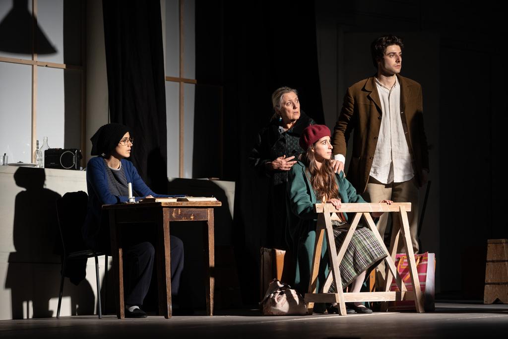 """Teatro: """"I promessi sposi alla prova"""" di Giovanni Testori"""