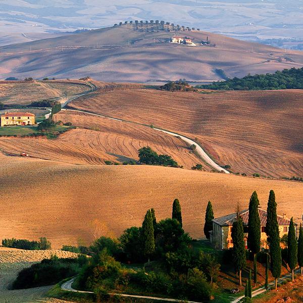 A voce alta. Un viaggio sentimentale - Undici voci livornesi per 6 viaggi nel Mediterraneo