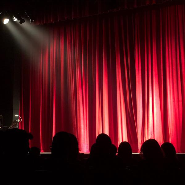 L'appello per il teatro alla RAI. Oltre 80 artisti chiedono più visibilità e diffusione