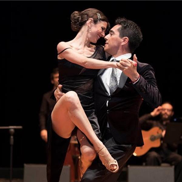 Street Tango - Tango Brujo