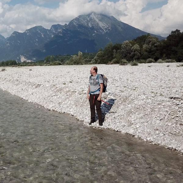 """""""Il canminante. Racconto di un cammino lungo il fiume Piave"""" di e con Mirko Artuso"""