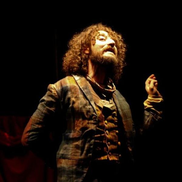 """Teatro: """"Groppi d'amore nella scuraglia"""" di Tiziano Scarpa"""
