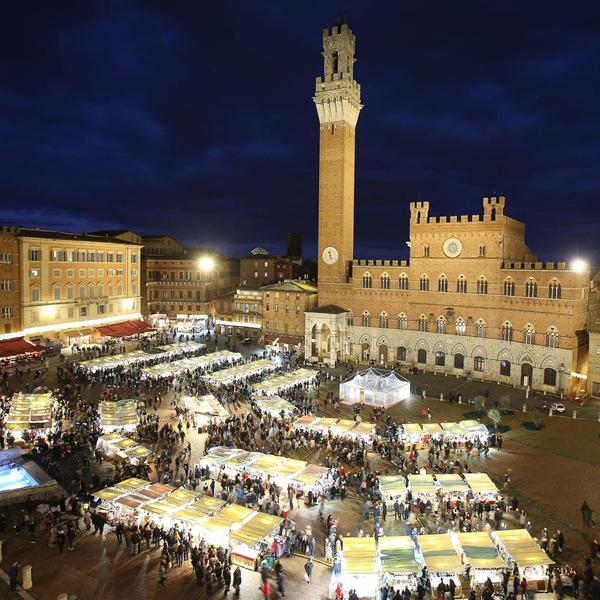 A Siena torna il Mercato nel Campo