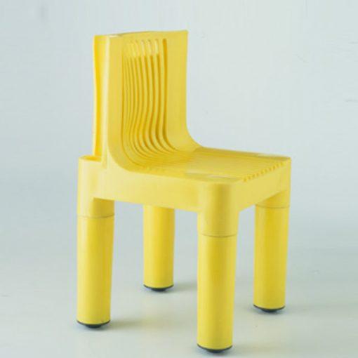 """Design italiano: """"K4999"""" la sedia smontabile realizzata nel 1959 da Marco Zanuso e Richard Sapper per Kartell"""