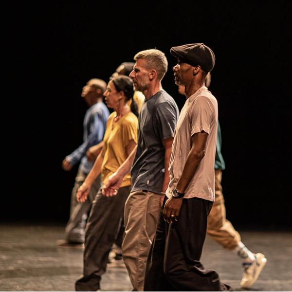 """""""En attendant James B."""". Spettacolo di danza online della compagnia Art Mouv"""