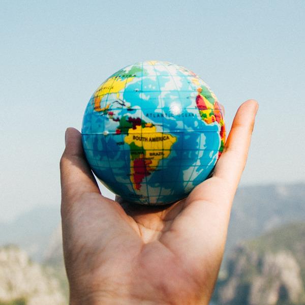 """Biennale Democrazia 2021: """"Un pianeta, molti mondi"""""""