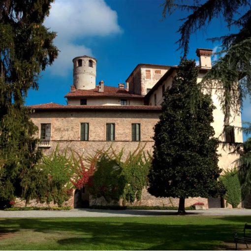 I Beni del FAI: Castello della Manta. Storie e miracoli della fontana della giovinezza