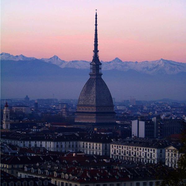 Segnali d'Italia chiama Torino - Il bando per finanziare i migliori progetti sociali da realizzare per la città