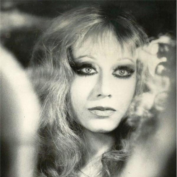 Disco d'artista: Martellate. Scritti fighi 1990-2020. Lydia Mancinelli legge Marcello Maloberti