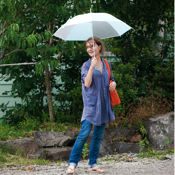 """""""In Another Country"""". Isabelle Huppert in un film di Hong Sang-Soo"""