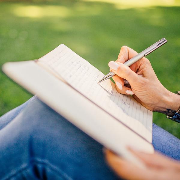 Corsi di scrittura gratuiti alla Fondazione Bottega Finzioni