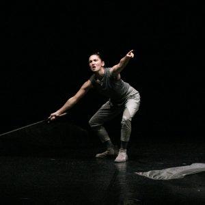 Aerea. Spettacolo di danza di e con Ginevra Panzetti ed Enrico Ticconi