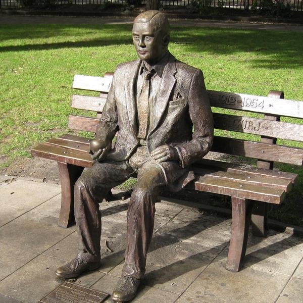 """""""Alan Turing. Storia di un enigma"""" di Andrew Hodges"""