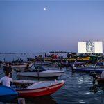 Cinema galleggiante - Acque sconosciute. Al via la II edizione della rassegna di cinema sulle acque della laguna