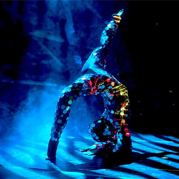 """Spettacolo di danza: """"Blu infinito"""""""