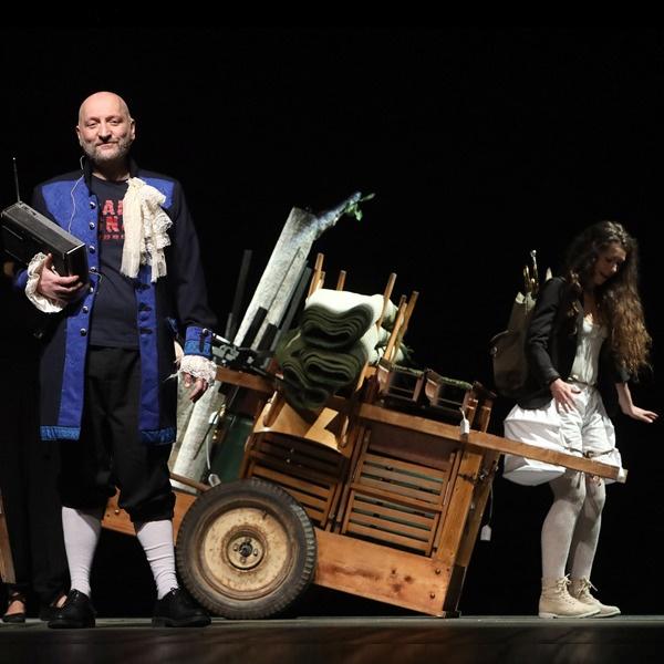 """Teatro: """"Jacques e il suo padrone"""" di Milan Kundera"""