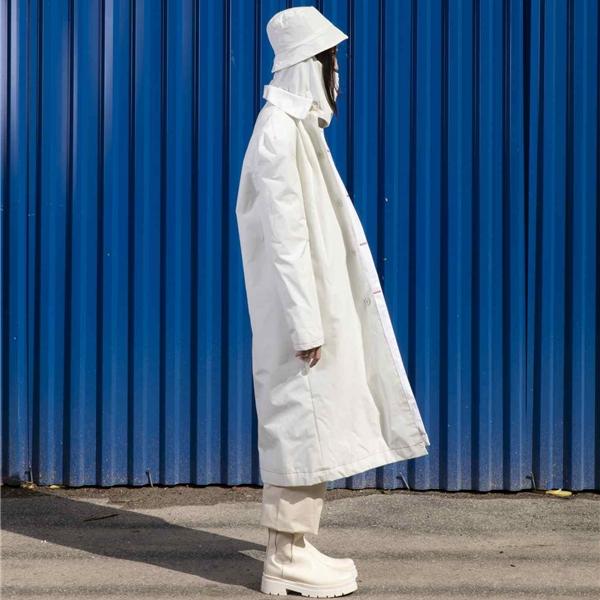 """""""Out of the box"""": la """"distanza"""" al centro delle collezioni moda dei giovani fashion designer IED"""