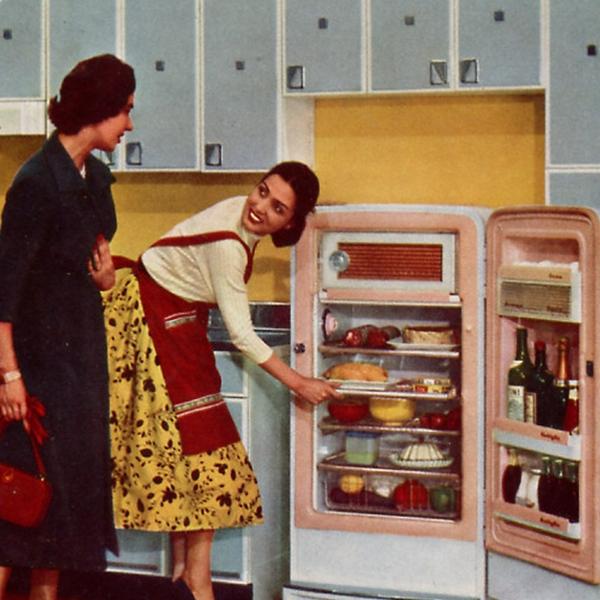 """Pausa Pubblicità: """"Eleganza, praticità, perfezione sono il vanto dei frigoriferi CGE!"""" (1958)"""