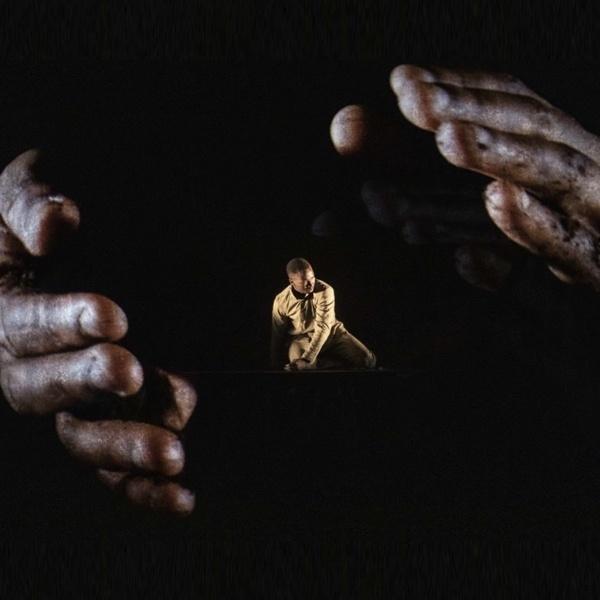 "Spettacolo: ""Chotto Xenos"" di Akram Khan Dance Company"