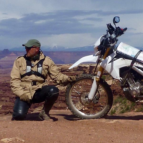 Chris Scott. Motociclismo d'avventura